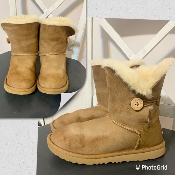 SOLD Uggs